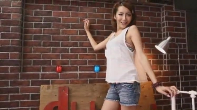 Uber-sexy Inexperienced T-girl Video With Japanese Gigs